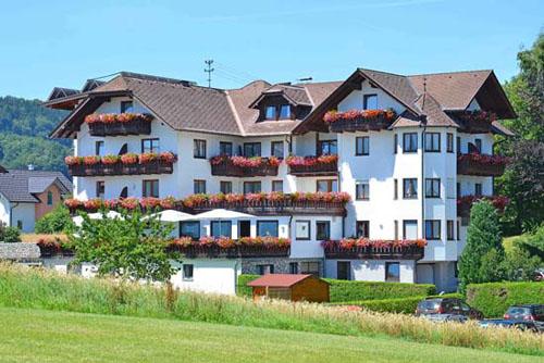 Golf- und Familienhotel Alpenblick***
