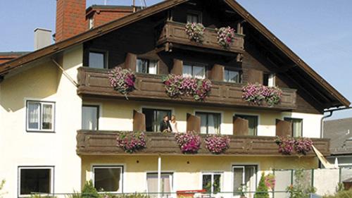 Hotel Attergauhof ***