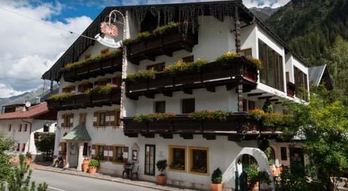 Hotel Gasthof Kirchenwirt****