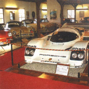 Muzeum automobilů